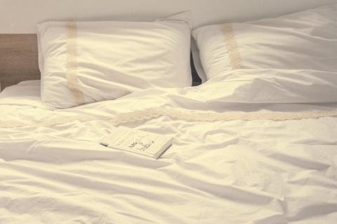 Lenjerie de pat albă dubla cu broderie